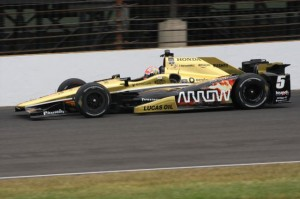 Hinchcliffe-injured-in-Indy-500-practice-crash